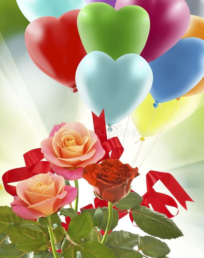不同的花花束在天空背景的 免版税库存图片