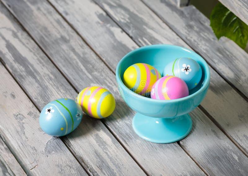 不同的颜色复活节彩蛋 库存图片