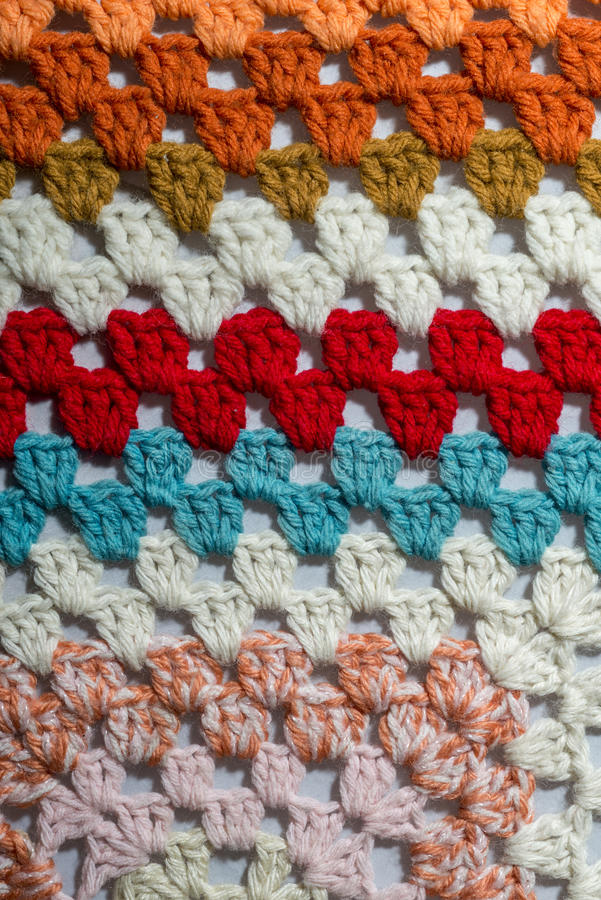不同的颜色钩针编织织品  免版税库存照片