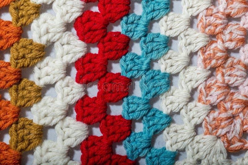 不同的颜色钩针编织织品  免版税图库摄影