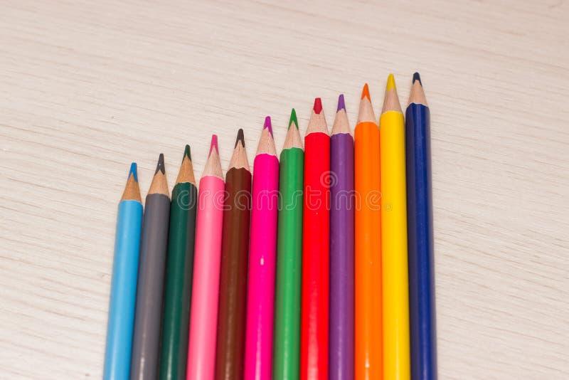 不同的颜色铅笔 免版税库存图片