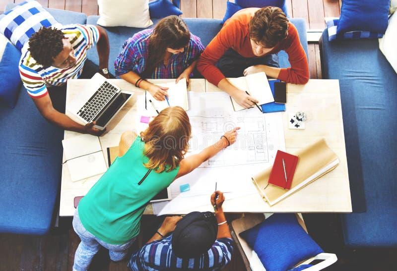 不同的建筑师人小组运作的概念 免版税库存图片