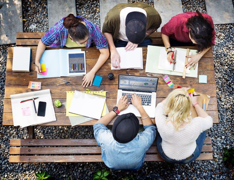 不同的建筑师人小组运作的概念 免版税库存照片