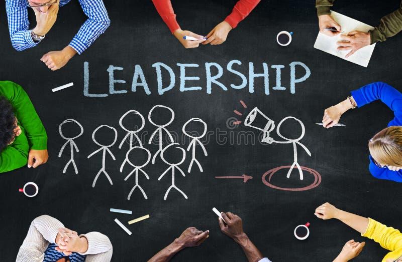不同种族的人和领导概念 库存例证
