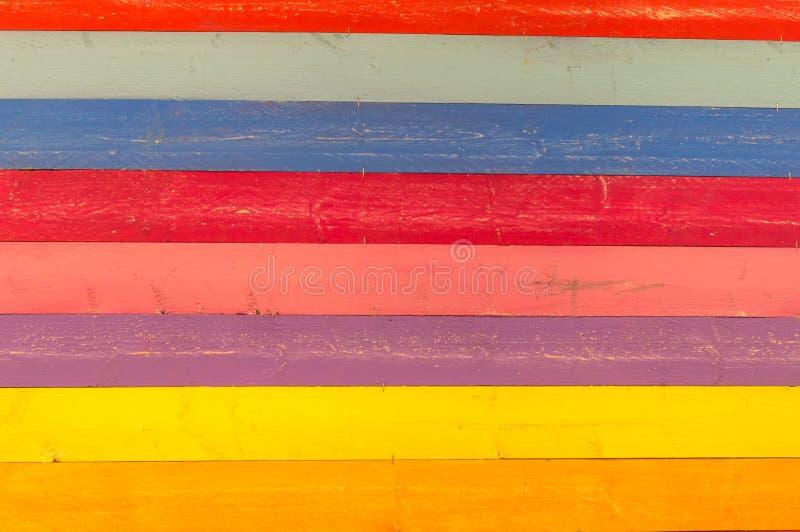 不同颜色的彩色木质纹理背景 免版税图库摄影