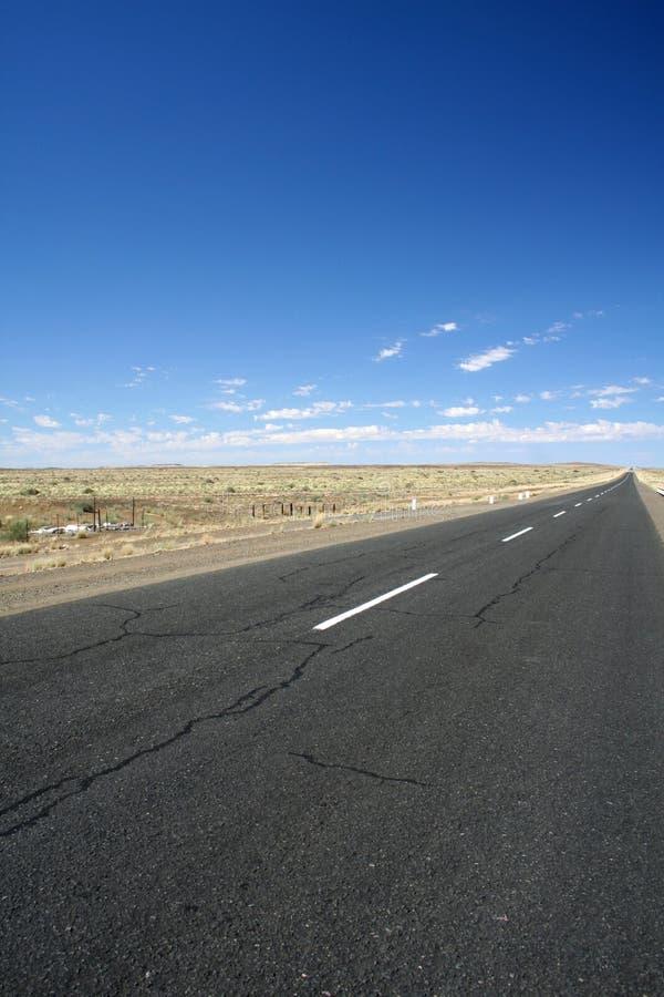 不尽的沙漠路 库存图片