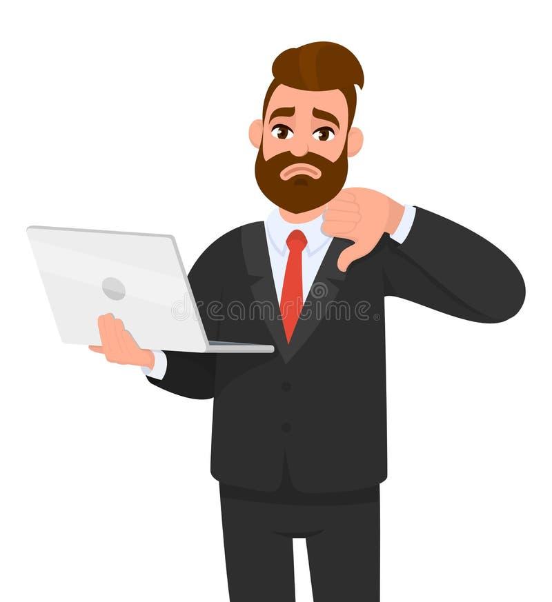 不快乐年轻有胡子商人举行/显示一台最新的新的膝上型计算机的和打手势/做在标志下的拇指与手手指 皇族释放例证