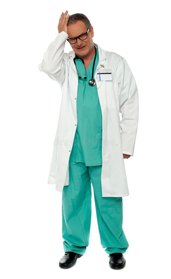 不快乐的医生全长射击统一的 库存照片