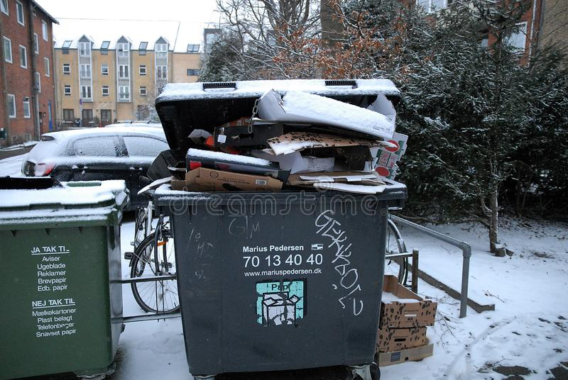 不是的流行音乐废物被取消的交付o雪落天气 免版税库存图片