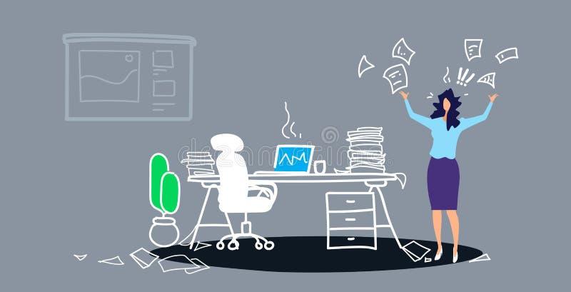 不满意的妇女上司投掷的纸张文件疲乏在工作概念恼怒的女实业家雇主感觉注重了 向量例证