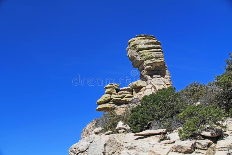 不祥之物在有风点的岩层在Mt Lemmon 库存照片
