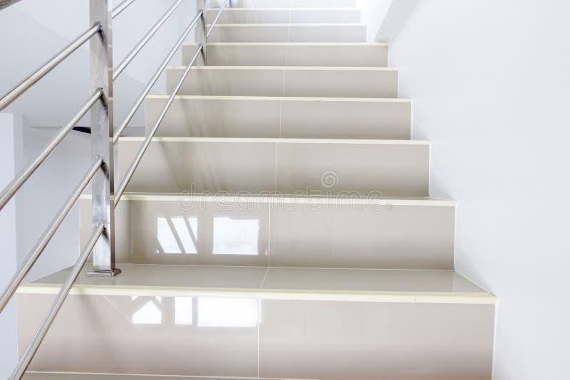 不锈钢扶手栏杆 免版税库存图片