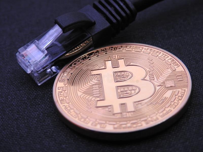 与一个rj-45插座的Bitcoin 库存图片