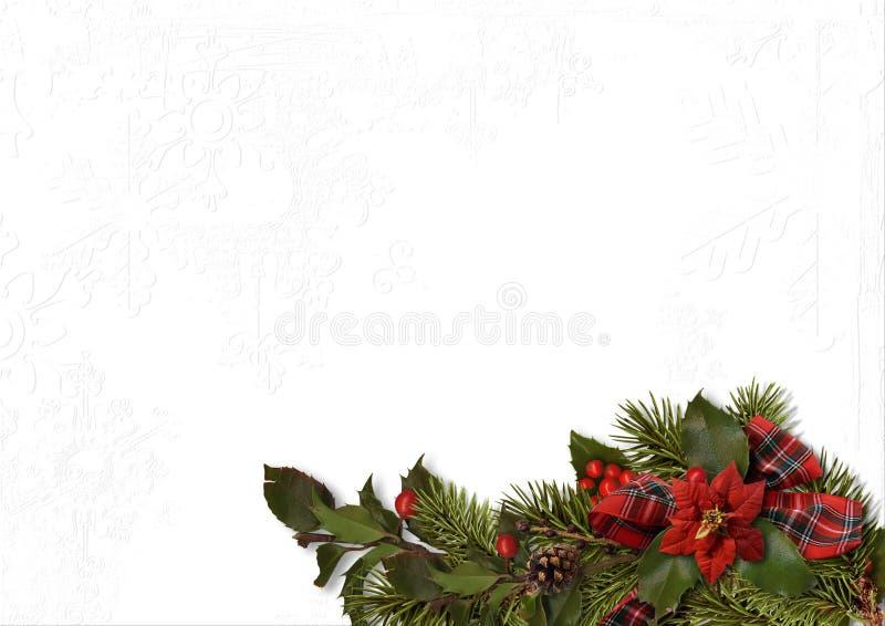 与一品红和霍莉的圣诞节花束在一白色织地不很细 免版税图库摄影