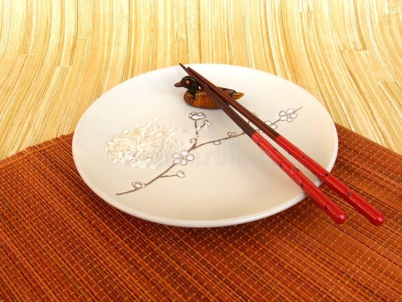 与一块板材的静物画在日本式 免版税库存图片