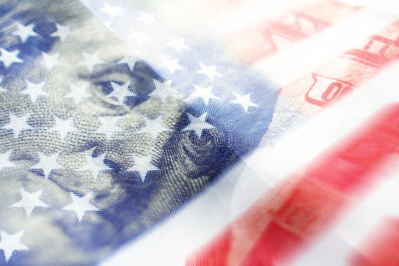 与一百的美国经济&优质的美国国旗 免版税库存图片