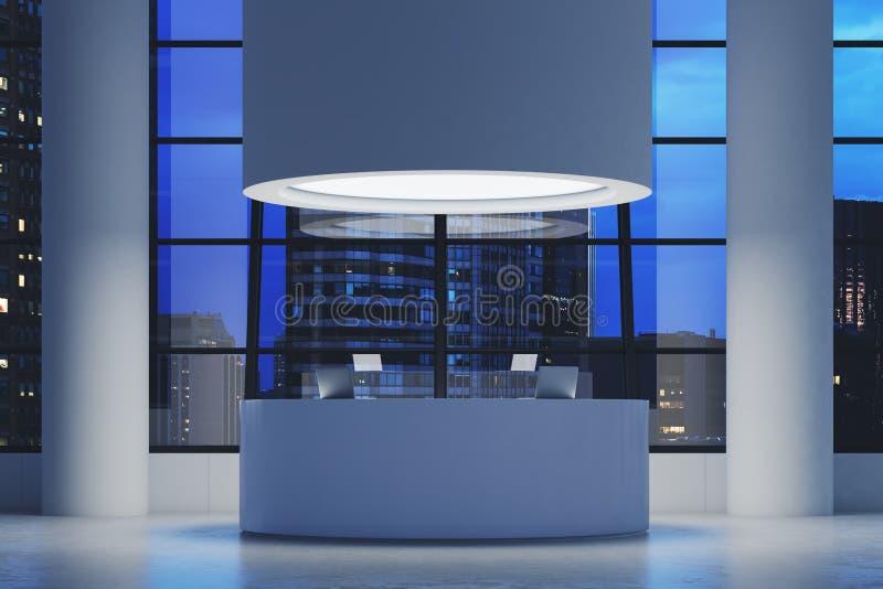 与一间圆的屋子的未来派办公室内部装备计算机 皇族释放例证