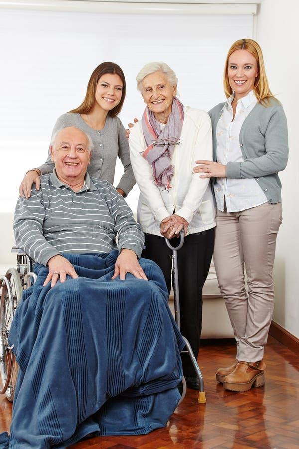 与三世代的家庭在 免版税库存照片