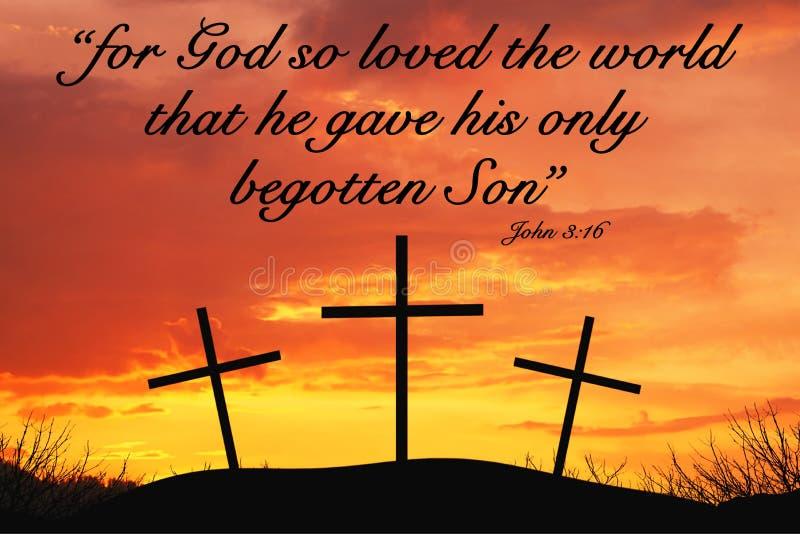与三个十字架的基督徒诱导行情在小山顶部 免版税库存照片