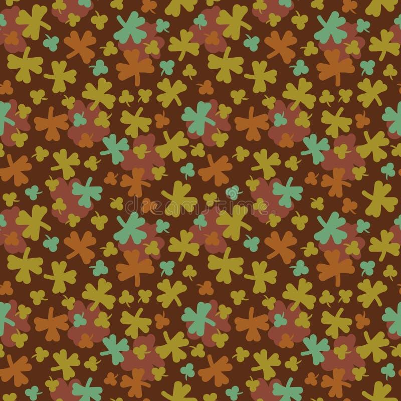 与三棵和四棵叶子三叶草的无缝的传染媒介样式在美好的颜色 皇族释放例证