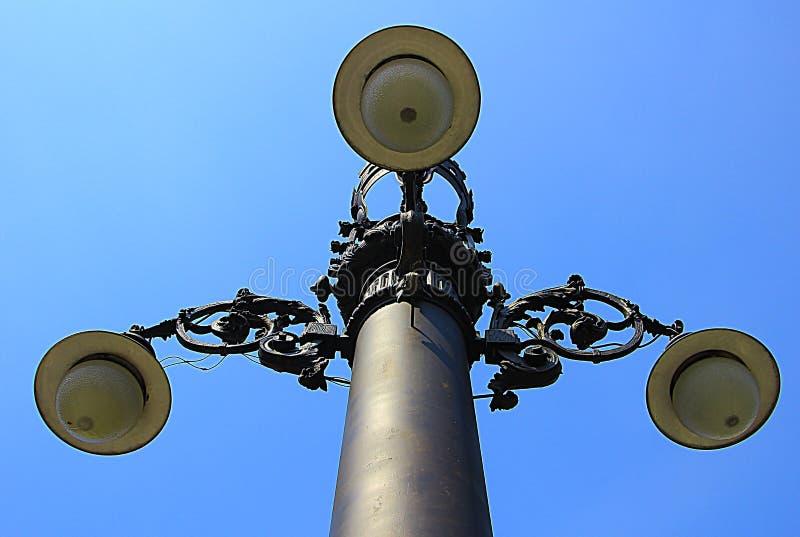 与三盏灯的杆 库存照片
