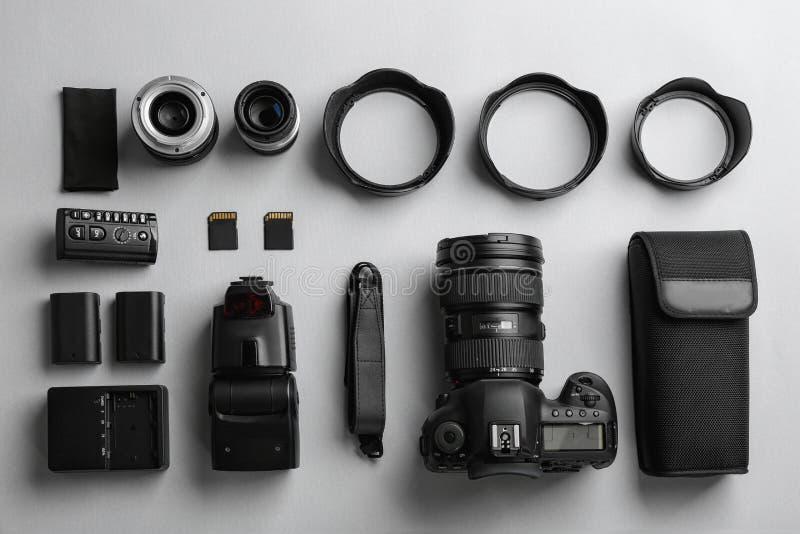 与专业摄影师的平的位置构成 图库摄影