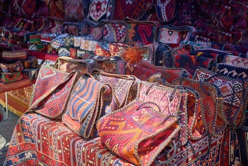 与东方装饰品的手工制造袋子 库存图片