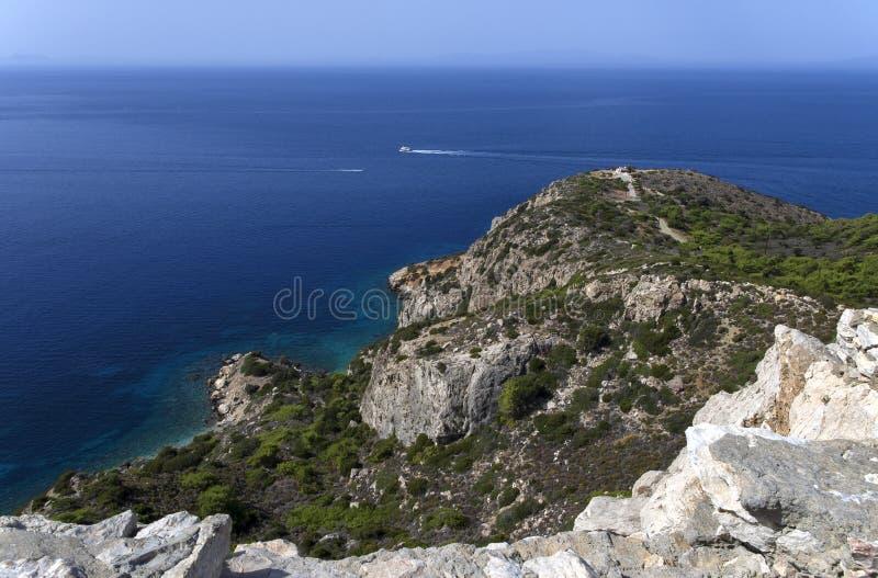 与两艘船的美好的海景在爱琴海 库存照片