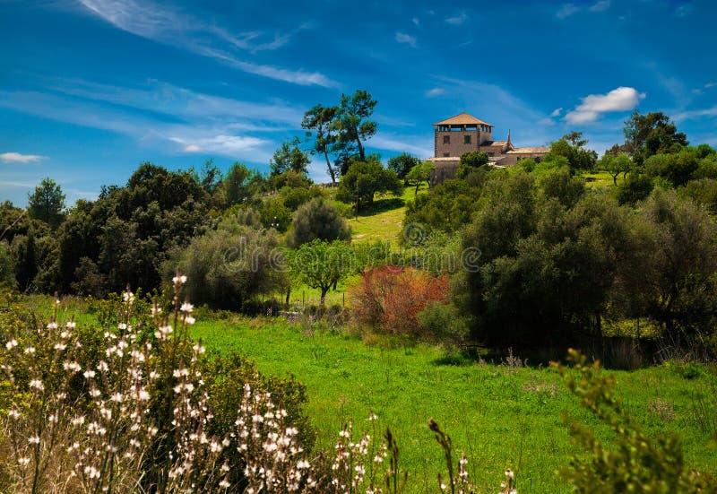 与乡间别墅的风景 库存照片