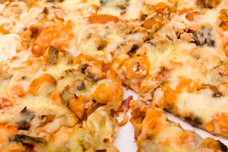 与乳酪和火腿特写镜头的薄饼 库存图片
