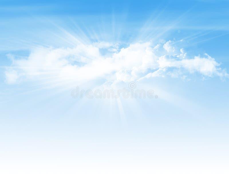 与云彩和太阳的蓝天 免版税库存图片