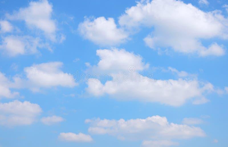 与云彩的天空 图库摄影