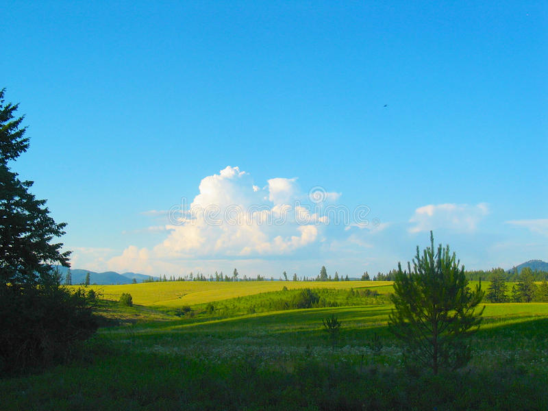 与云彩的横向 免版税图库摄影