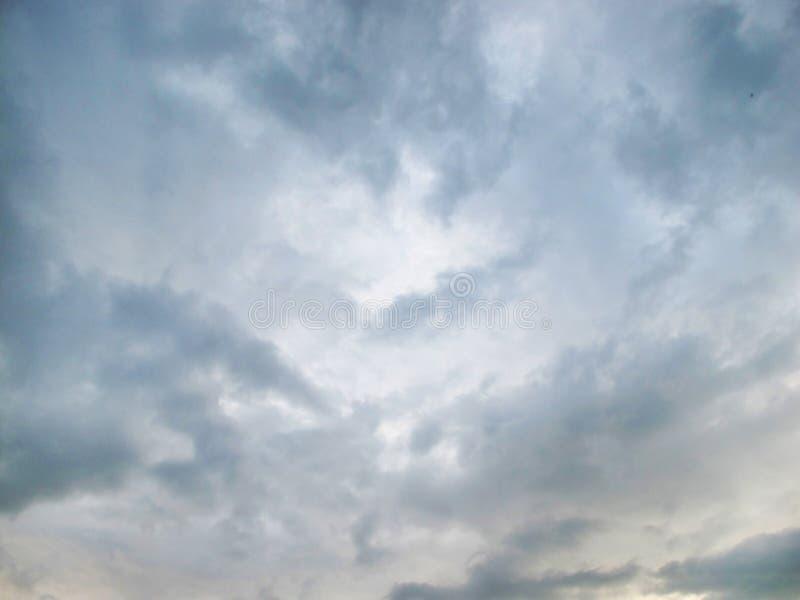 与云彩的灰色天空 库存照片
