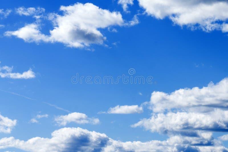 与云彩的美丽的天空在日落前 免版税图库摄影
