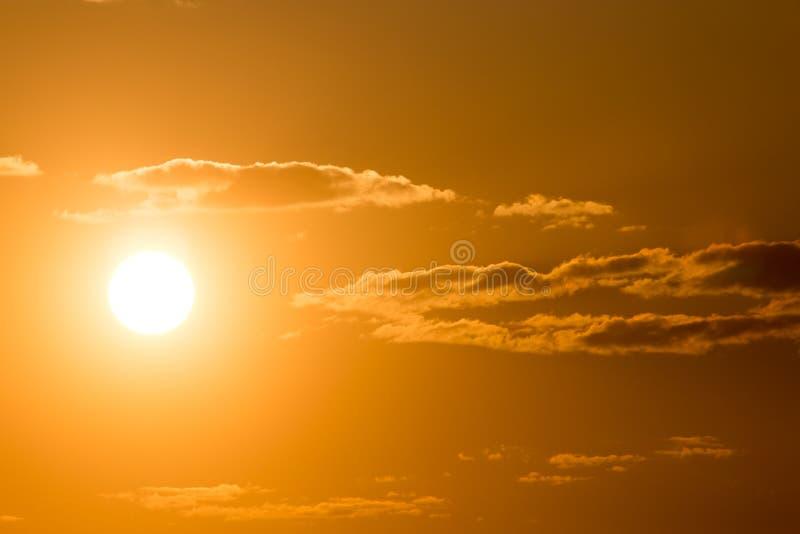 与云彩的美丽的天空在日落 库存图片