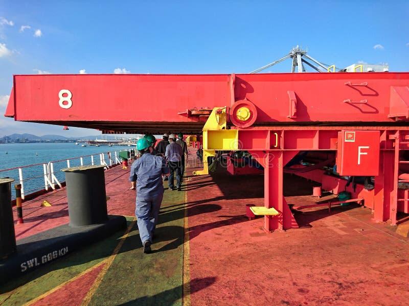 与五颜六色的环境的安全在机上运输船 库存照片