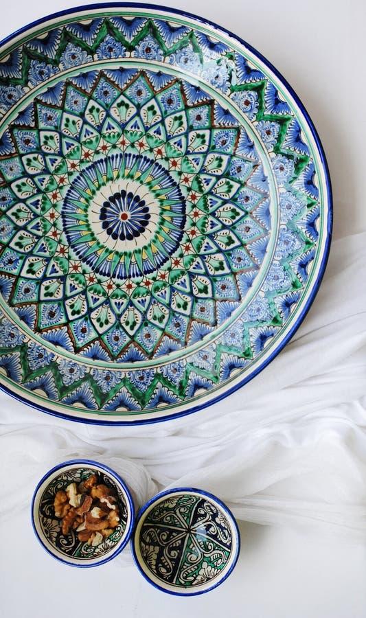 与亚洲样式的陶器 免版税库存图片