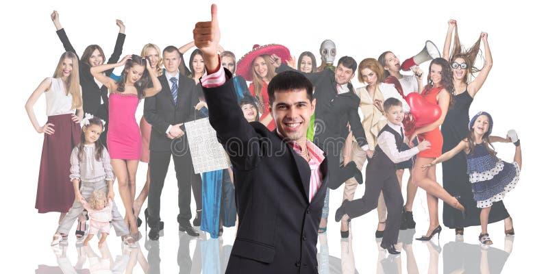Download 与人人群的年轻商人前景 库存照片. 图片 包括有 人员, 生意人, 系列, 想法, 商业, 查出, 幸福 - 62525626
