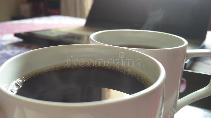 与伙伴的无奶咖啡 库存图片
