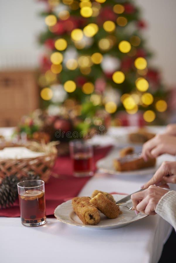 与传统波兰饭食的圣诞节桌 库存照片
