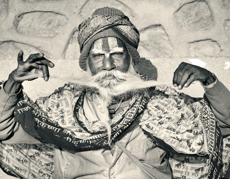 Download 与传统被绘的面孔,尼泊尔的Sadhu 编辑类图片. 图片 包括有 宗师, 宗教, 凝思, 祷告, 尼泊尔 - 62531670