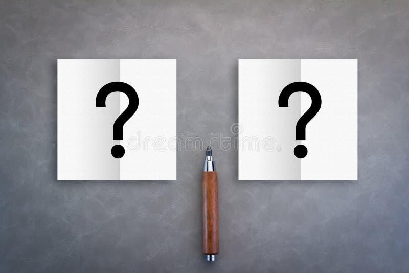 与便条纸的决定概念与问号标志 免版税库存图片