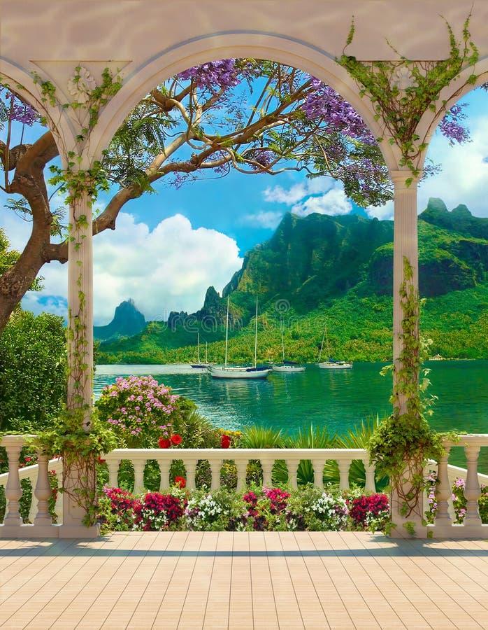 与俯视海和游艇的楼梯栏杆的大阳台 库存照片