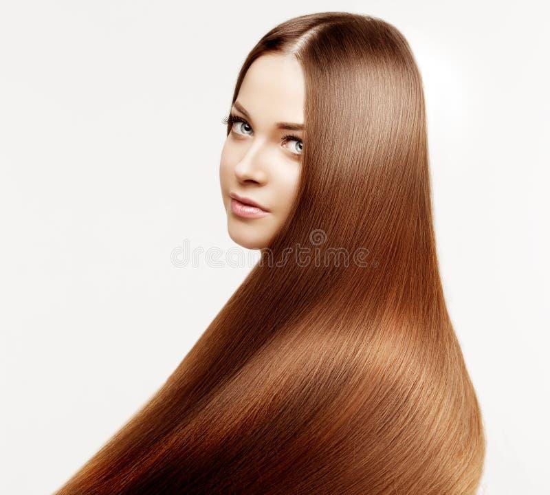 与健康发光的长的头发的美好的模型 秀丽豪华h 免版税库存照片