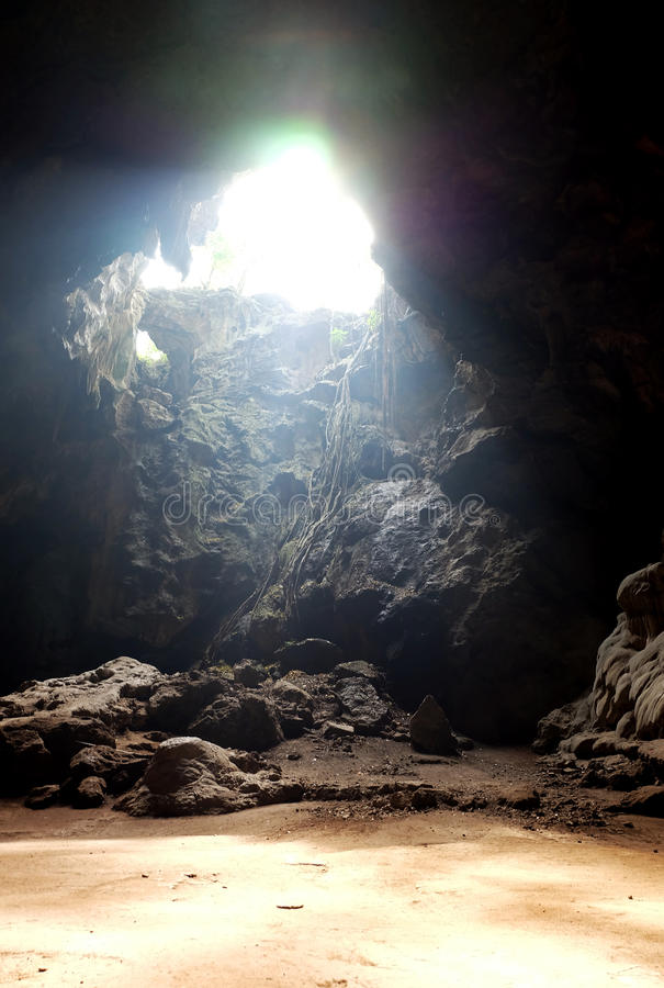 与光的一个洞从上面 库存照片
