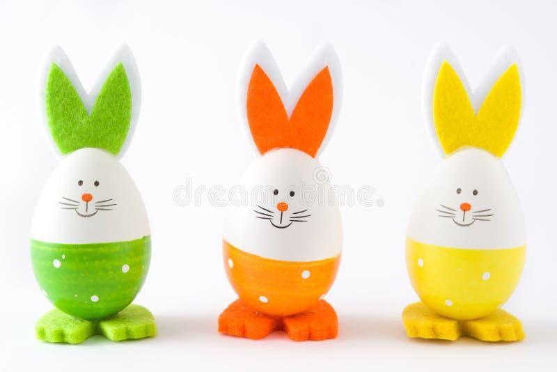 与兔子形状的复活节彩蛋,被隔绝 免版税库存照片