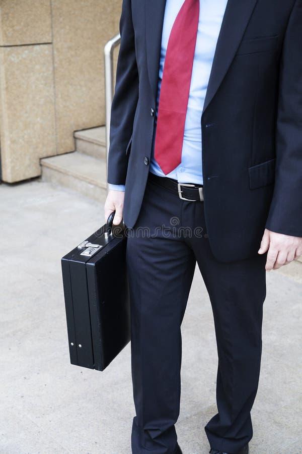 与公文包的生意人 免版税库存照片