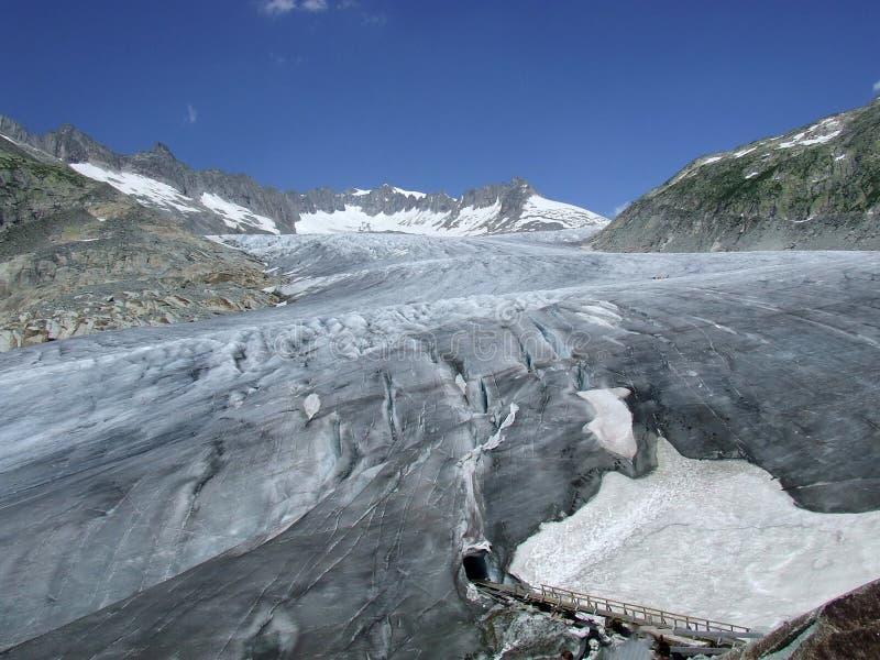与冰洞的罗讷冰川在瑞士 图库摄影