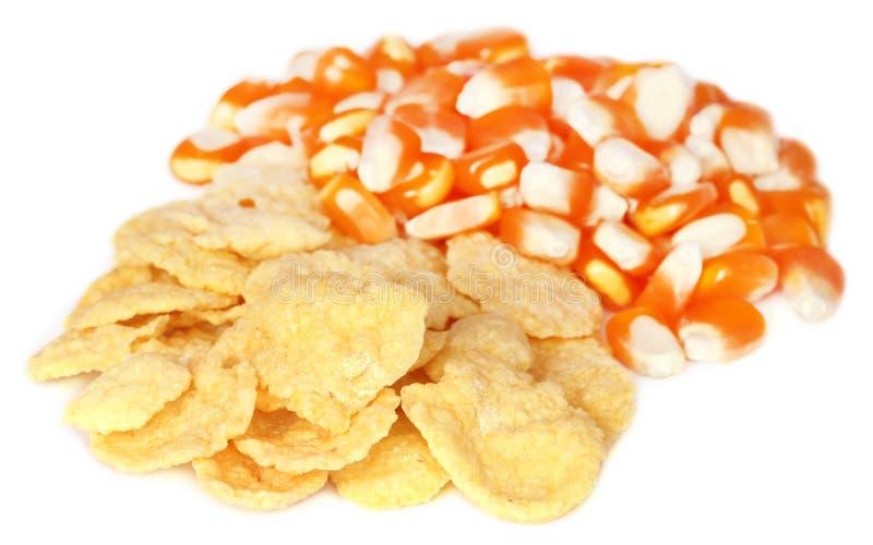 Download 与剥落的玉米 库存图片. 图片 包括有 谷物, 烘干, 嘎吱咬嚼, 玉米片, 金黄, 健康, muesli - 62535707